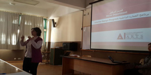 An orientation session for Décor Department